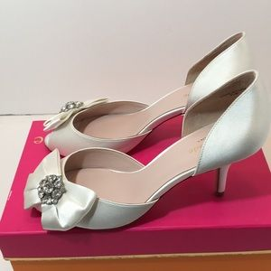 Kate Spade Ivory satin bridal Heels sandals 8.5 M